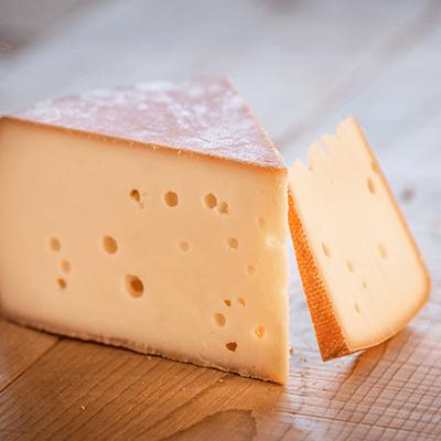 Morceaux de fromage Cousin