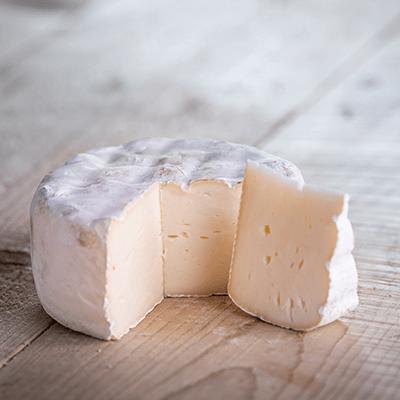 Morceaux de fromage tomette mi-chèvre